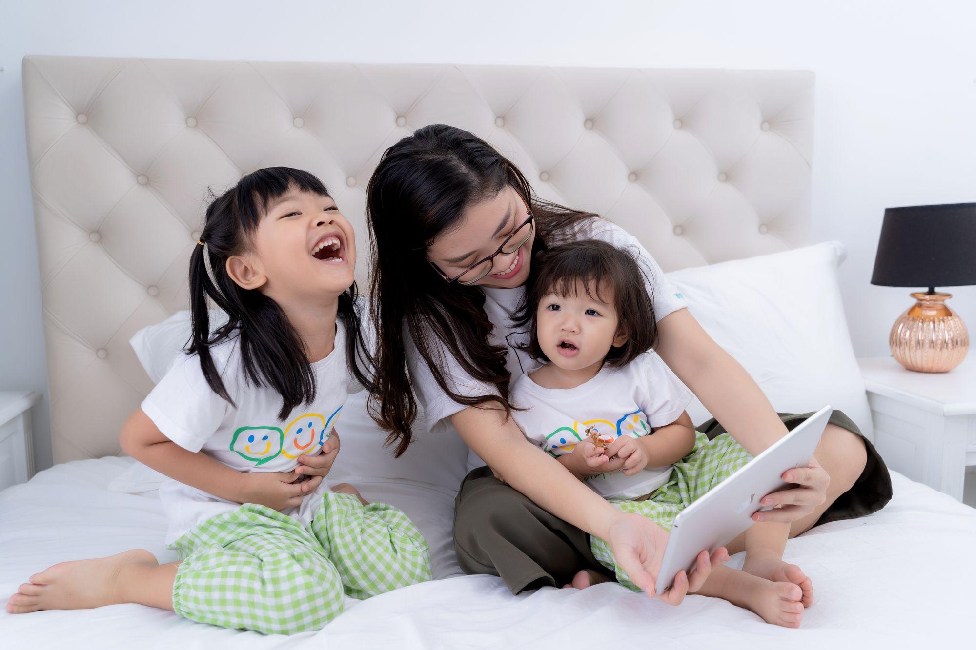 4 lợi ích không ngờ khi cha mẹ chơi cùng con mỗi ngày